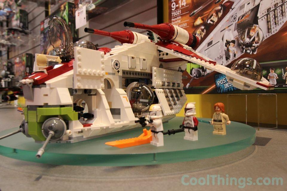 Lego Star Wars Republic Gunship 75021 Lego-republic-gunship-75021-9
