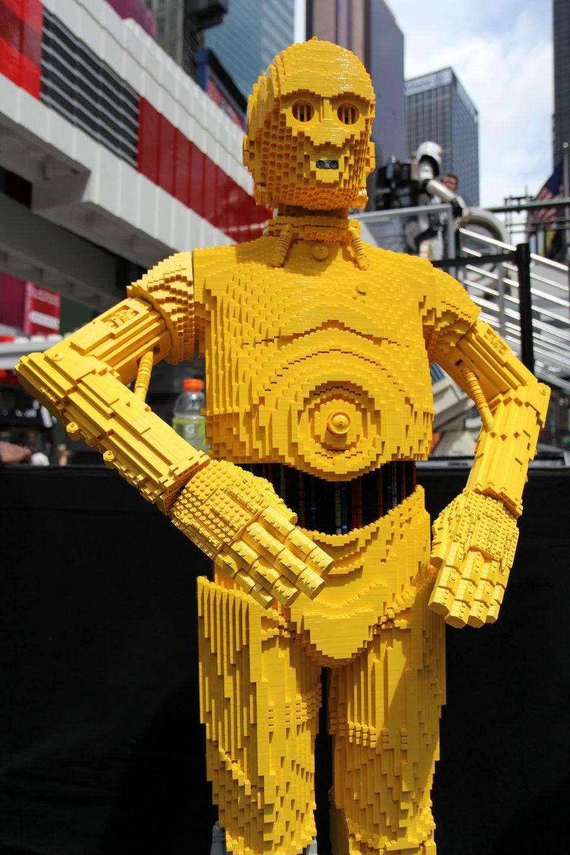 World 39 s biggest lego set stars wars x wing starfighter - Image star wars lego ...