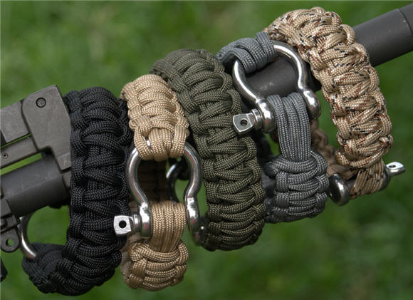 Survival bracelets put 26 inches of military grade for Paracord wallpaper