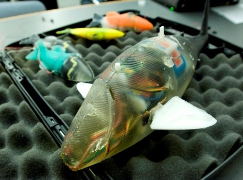 MIT?s Robot Fish: Perfect Aquarium Pets For Lazy Fish Tank Owners