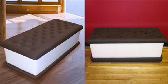 Ice cream bench will make your house guests scream for ice for Cool rooms to have in your house
