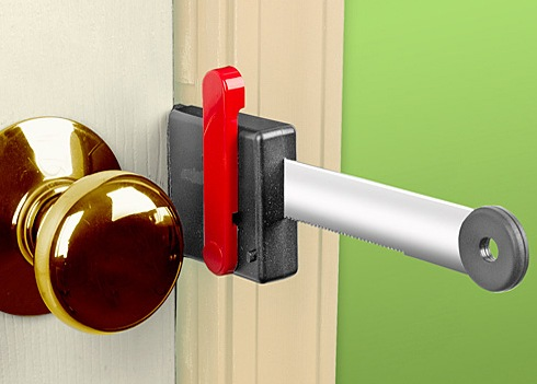 Zelco Lock Up Portable Door Lock Adds An Extra Barrier To Unauthorized Entry