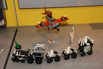 lego-monster-fighters-9467-ghost-train_1