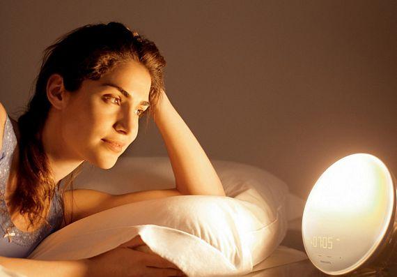 philips wake up light creates artificial morning sunlight. Black Bedroom Furniture Sets. Home Design Ideas