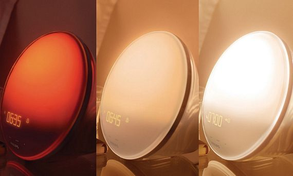 Philips Wake Up Light Creates Artificial Morning Sunlight