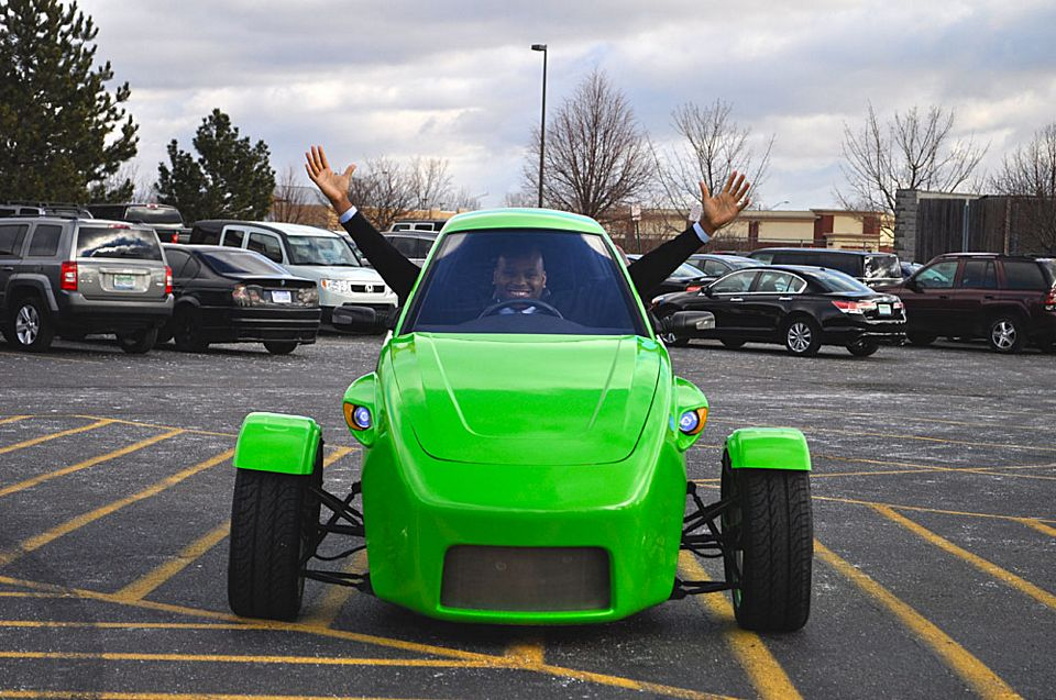Elio Is A 100 Mph 84 Mpg Three Wheeled Car For 6800