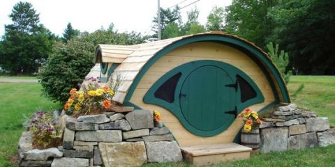 hobbit-hole-playhouse-1