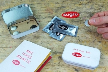 Sugru-Magnet-Kit-1