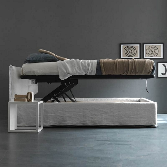 Iorca chic bed for Cool hidden compartments