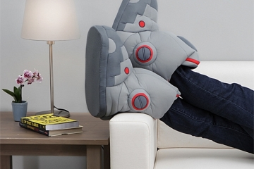 giant-robot-slippers-with-sound-2