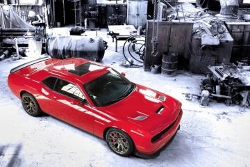 2015-Dodge-Challenger-SRT-Hellcat-3