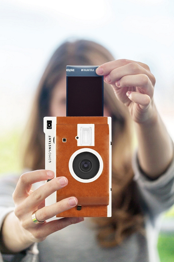 Lomo Instant Camera Adds Loads Of Tricks To Your Polaroid