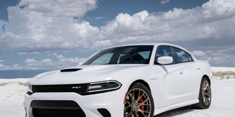 2015-dodge-charger-srt-hellcat-1