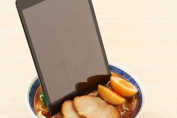 chuka-soba-smartphone-dock-1