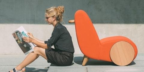 rapide-wheelbarrow-lounge-chair-2