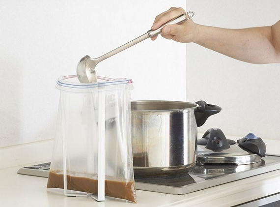 foldable-kitchen-bag-holder-2