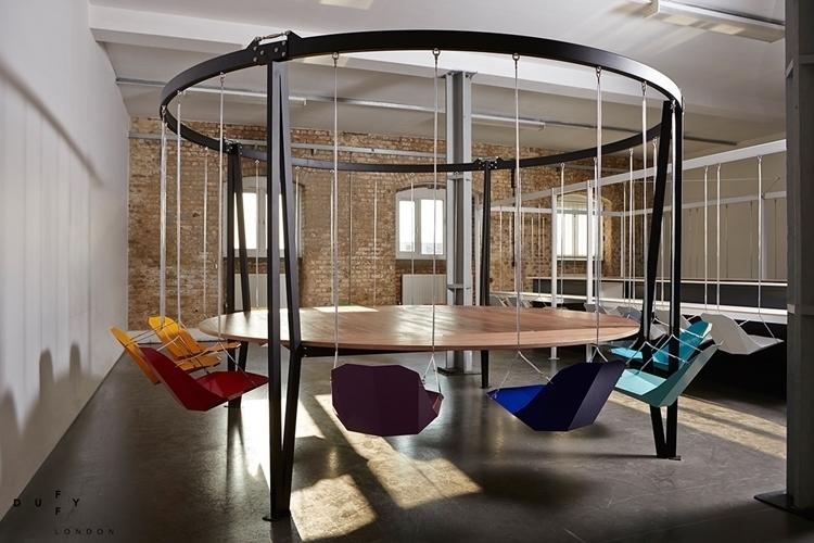 king-arthur-round-swing-table-3