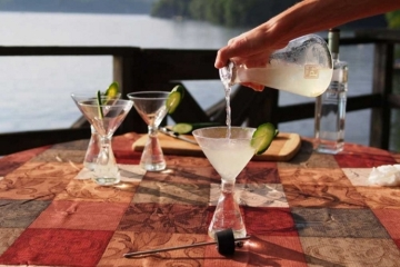 periodic-tableware-cocktail-shaker-set-2