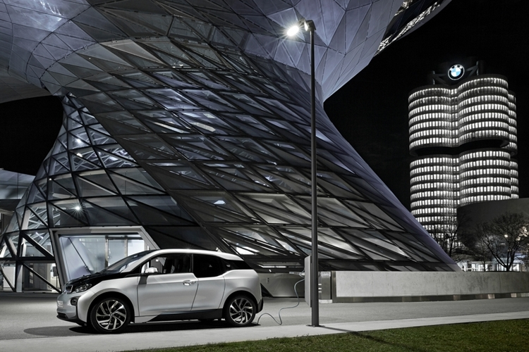 light-and-charge-2