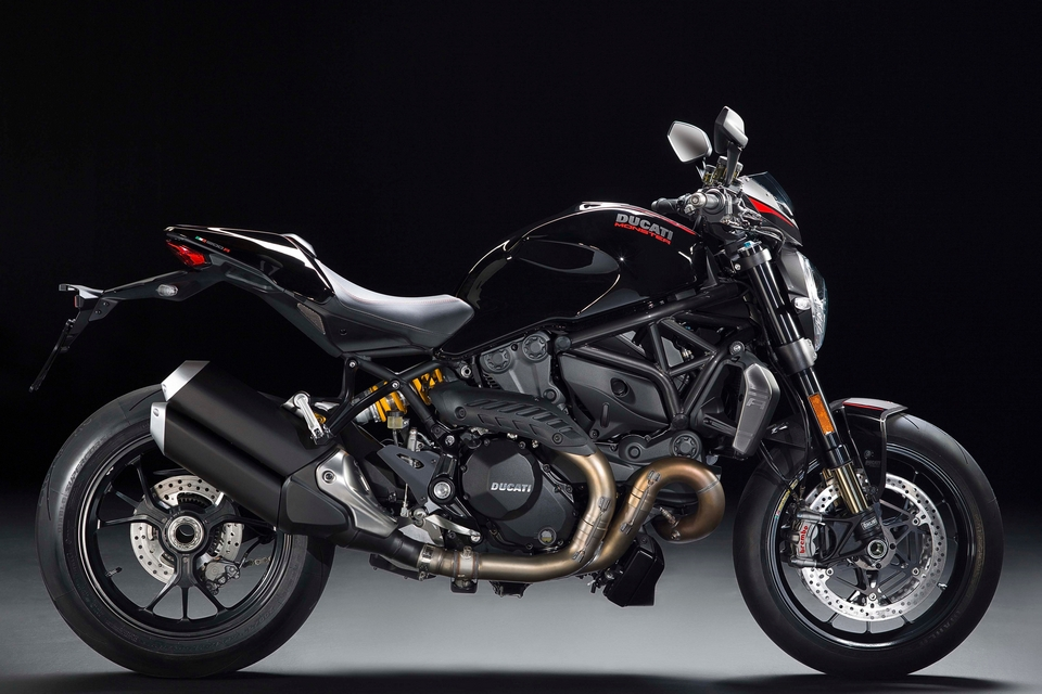 ducati-monster-1200-R-4