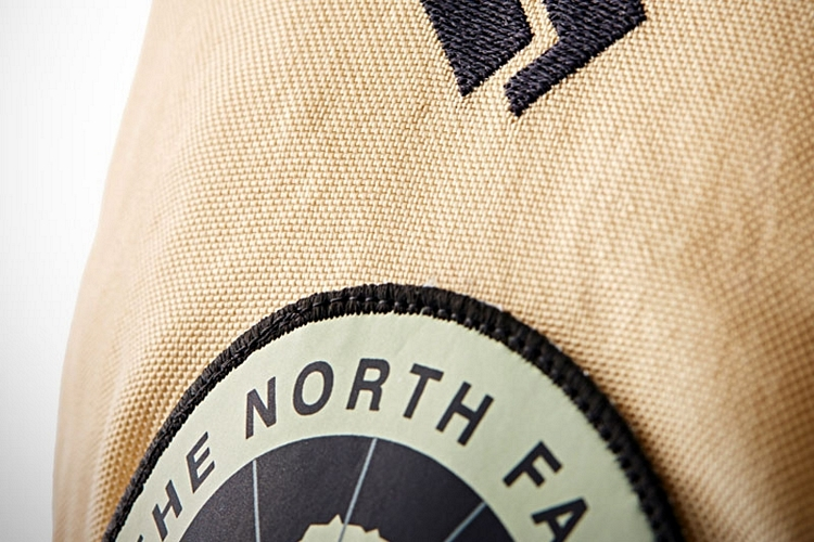 north-face-moon-parka-3