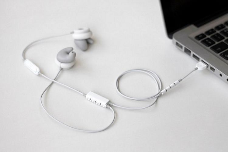 revols-earphones-1