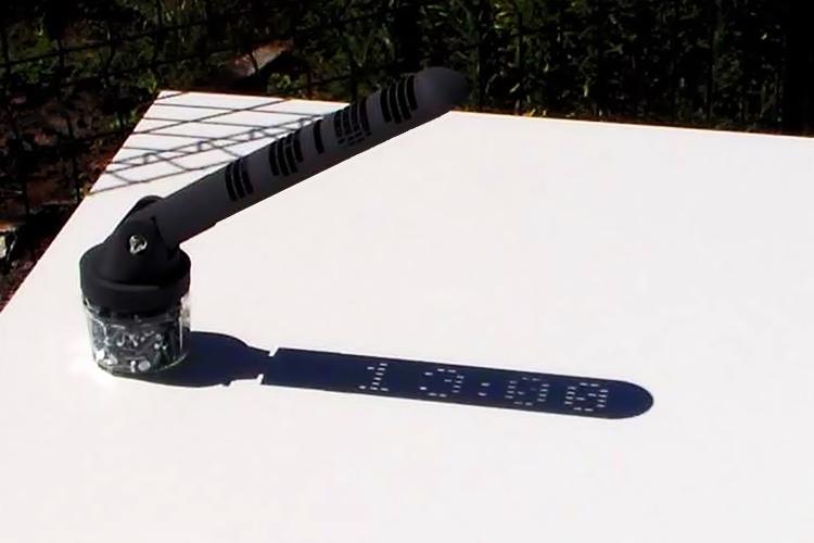 mojoptix-digital-sundial-1
