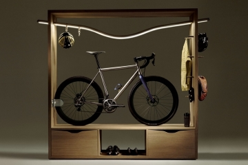 Bicycle accessories Bicycle bookshelf