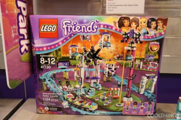 lego-friends-41130-amusement-park-roller-coaster-1