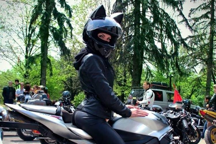 nitrinos-neko-motorcycle-helmet-3