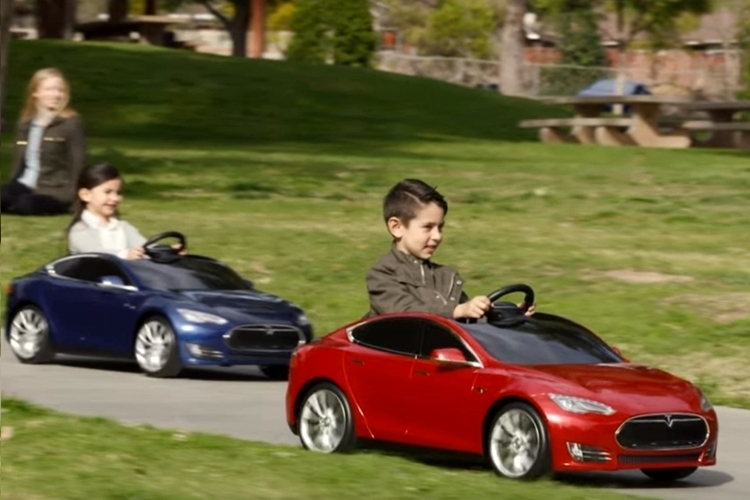 top kids electric cars for 2016 best reviewed battery powered ride ons on flipboard