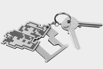 super-mario-bros-keychain-multitool-1