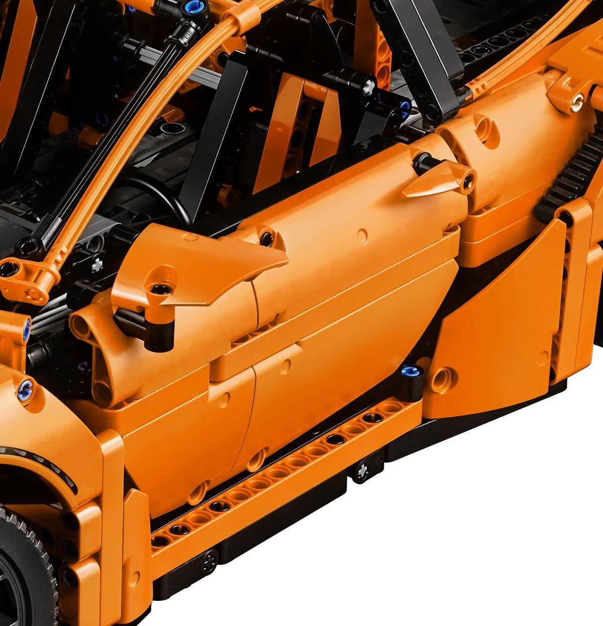 LEGO Technic Porsche 911 GT3 RS Side Door