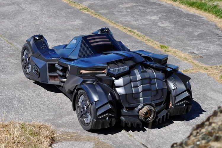 caresto-arkham-car-4