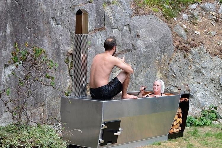 soak-outdoor-wood-fire-hot-tub-3