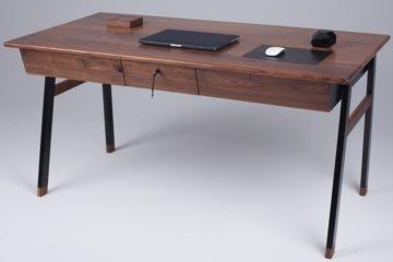 woolsey-agent-desk-1