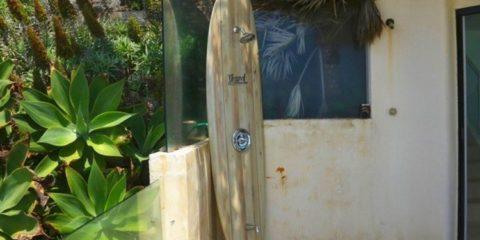 strand-surfboard-shower-1