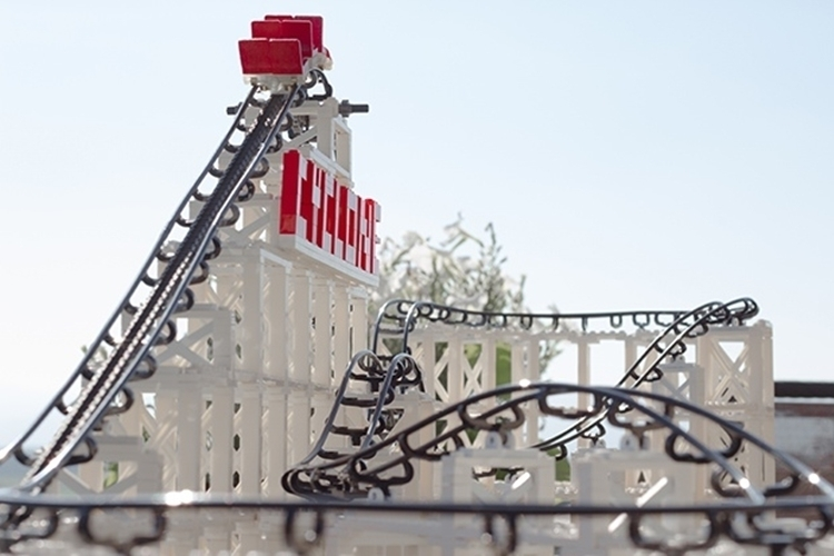 cyclone-roller-coaster-model-kit-2