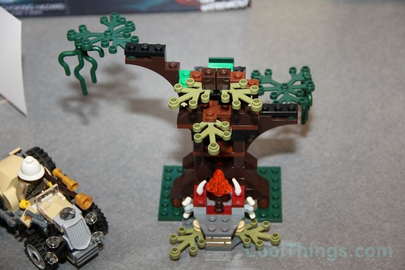 lego-monster-fighters-9463-werewolf_1