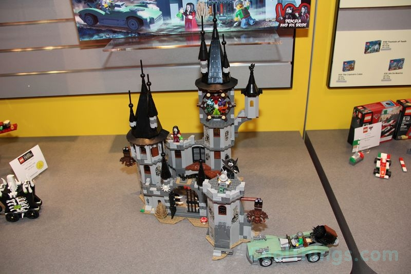 lego-monster-fighters-9468-castle_1