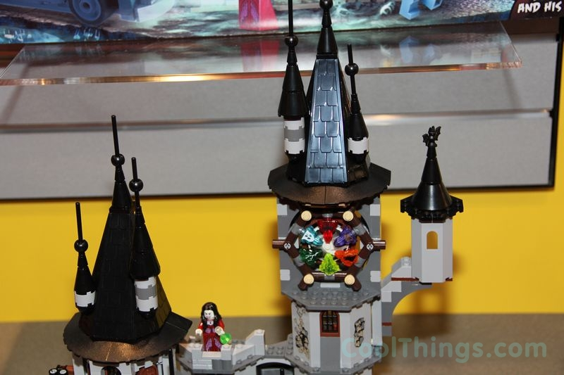lego-monster-fighters-9468-castle_2