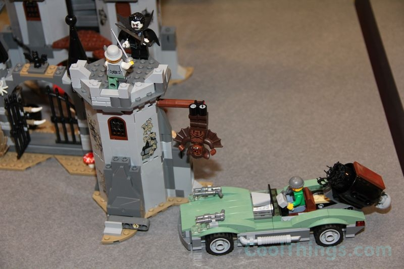 lego-monster-fighters-9468-castle_3