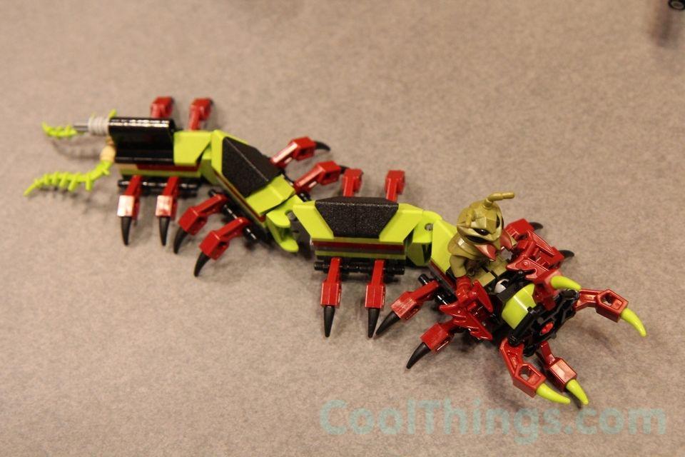 70709-lego-galactic-titan-8