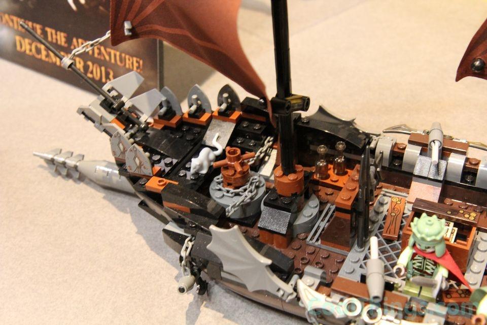 lego-pirate-ship-ambush-79008-13