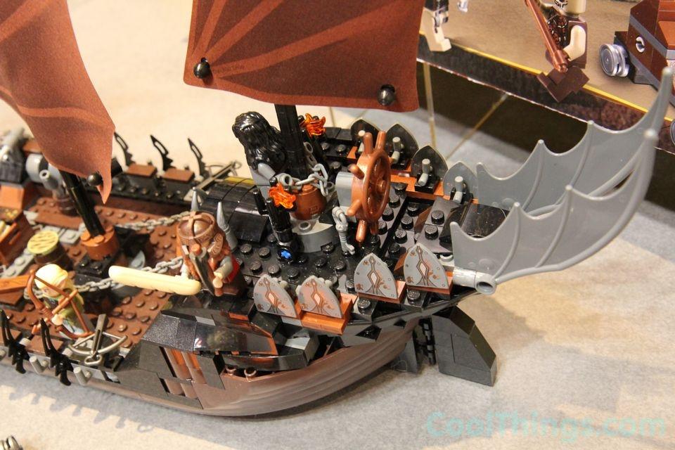 lego-pirate-ship-ambush-79008-15