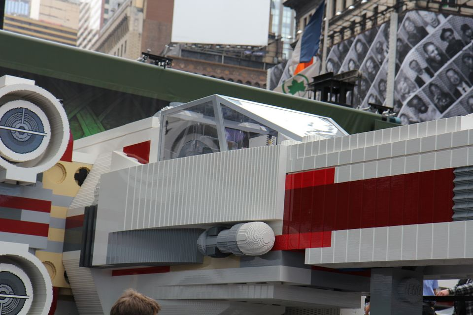 lego-star-wars-largest-xwing-15