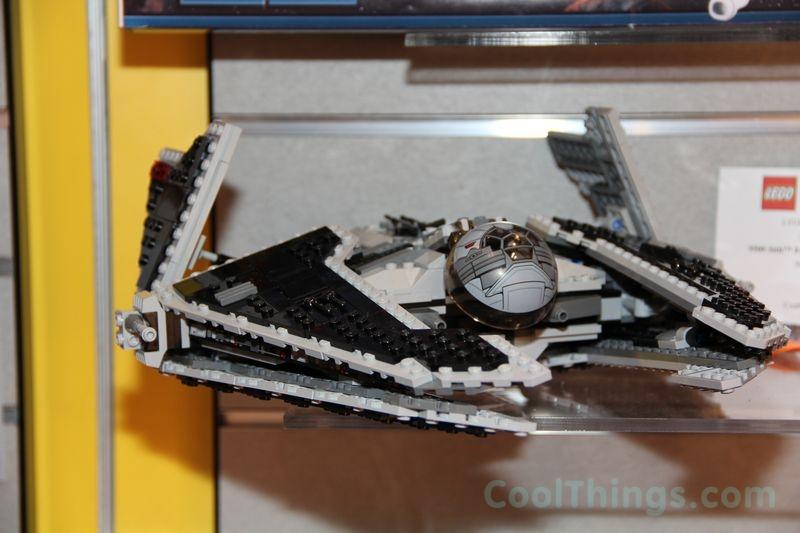 lego-9500-fury-class-interceptor_1