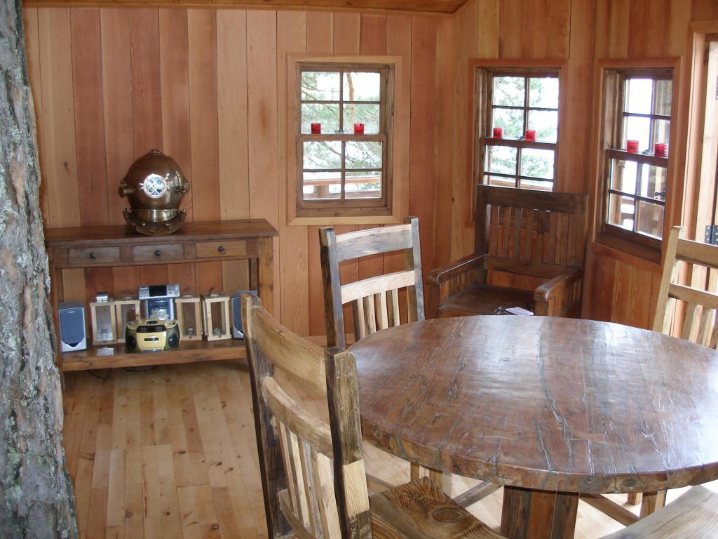 inside-treehouse