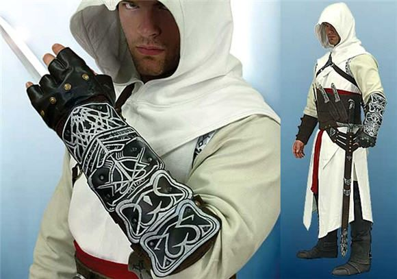 Assassin S Creed Costume With Real Bladed Weapons Turns You Into