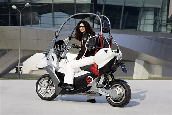 A Motorcycle With Roof Always Seemed Like Smart Idea But Nothing Came Out Of It When Bmw Released One Back In 2001 Awkward Looking Vehicles